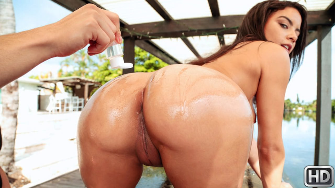 8thstreetlatinas presents maya-gets-soaking-wet in episode: Maya Gets Soaking Wet