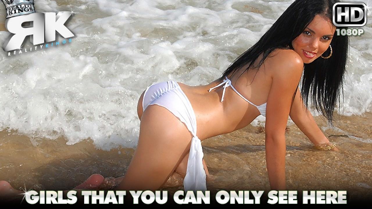 8thstreetlatinas presents sea-side-sexin in episode: Sea Side Sexin