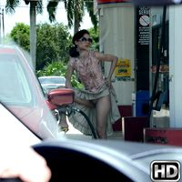 8thstreetlatinas ailek Gas The Pump