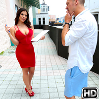 Sean Lawless in 8thStreetLatinas.com