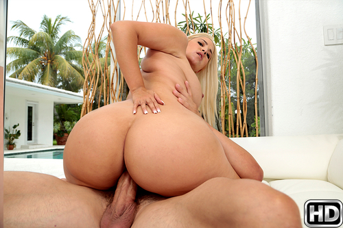 bignaturals presents alixlovell-500x333 in episode: Loving Lovell