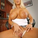 BigTitsBoss holly