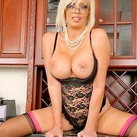 Laura in BigTitsBoss.com