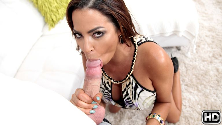 bigtitsboss presents julianna in episode: So Juicy