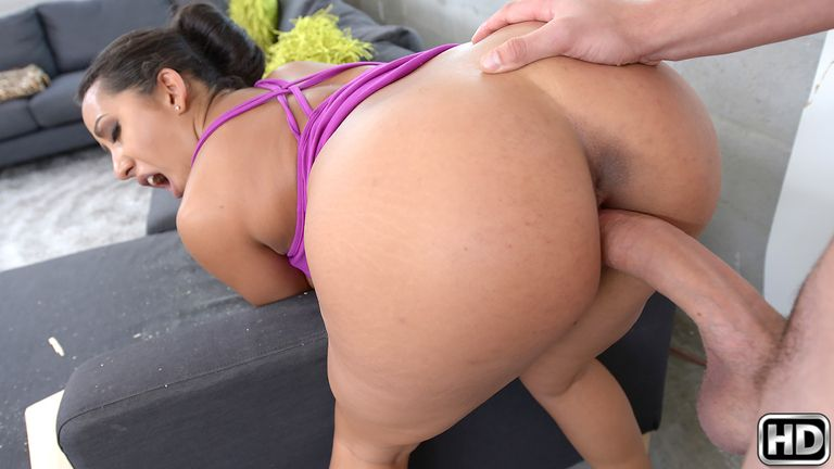 bigtitsboss presents priyaprice in episode: Pricey Pussy