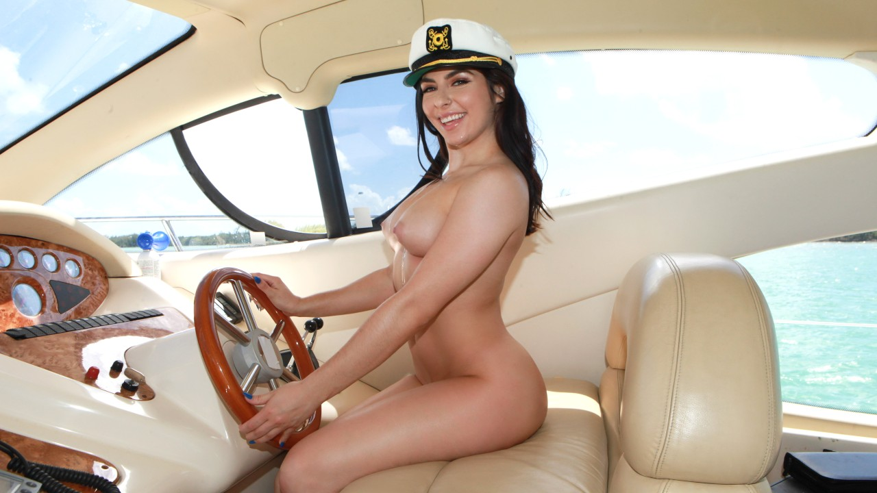 captainstabbin presents keira-craves-the-captains-cock in episode: Keira Craves The Captain's Cock