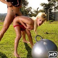 mikeinbrazil presents carrolle2 in episode: Ball Play
