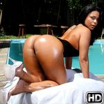 mikeinbrazil presents diana3 in episode: Make It Wet