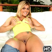 mikeinbrazil julianabecker Juicy Thick