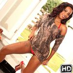 mikeinbrazil presents samira2 in episode: Hot Shot