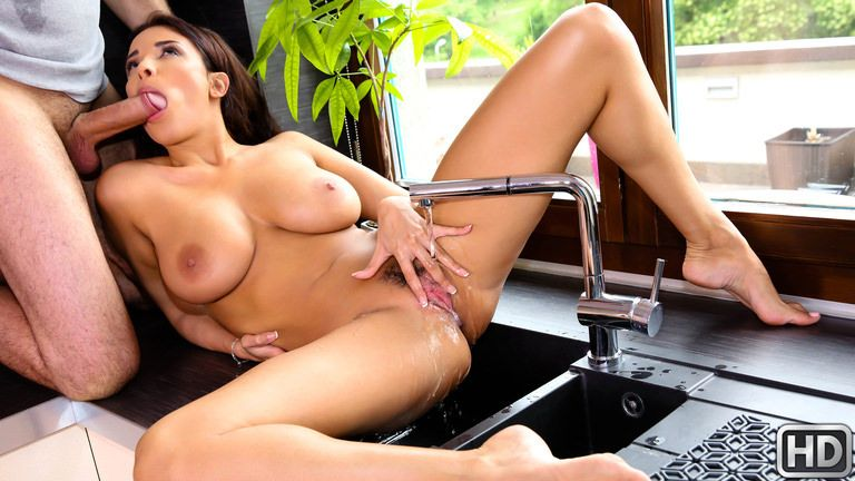 mikesapartment presents anissakate081617 in episode: Getting Wet