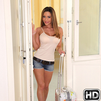 Isabella in MikesApartment.com