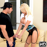 milfhunter presents kenzie in episode: Spreading Kenzie