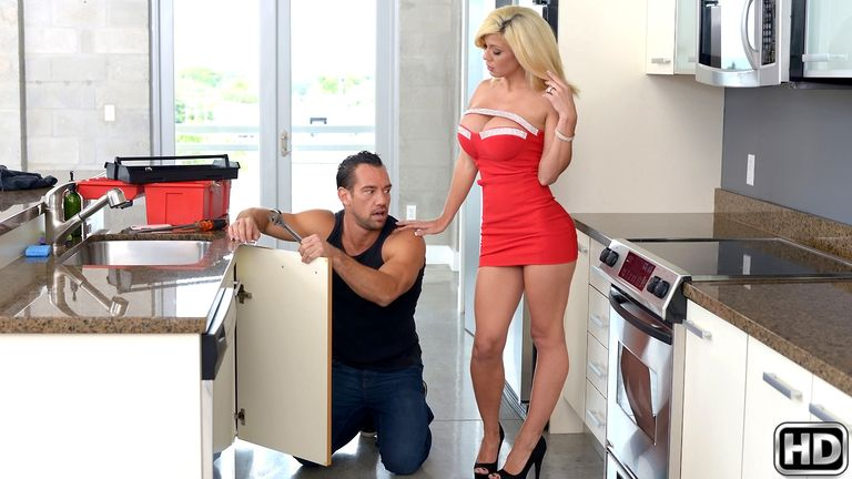 milfhunter presents parker2 in episode: Play House