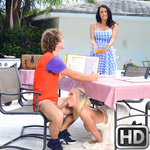 momsbangteens presents baileyreagan101617 in episode: Picnic Pussies