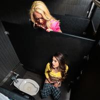 momslickteens presents jannasofie020519 in episode: Sneaky Selfie Student
