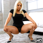 monstercurves presents alixlovell in episode: Curves And Head