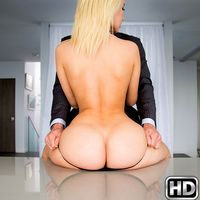 Anikka Albrite in MonsterCurves.com