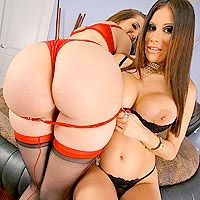 Kelly Divine in MonsterCurves.com