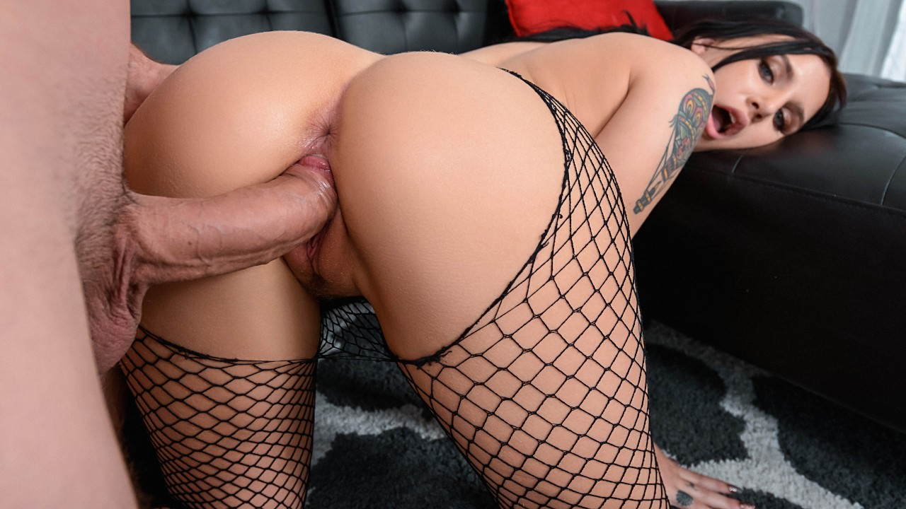 monstercurves presents stretch-and-tease in episode: Stretch And Tease