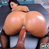 monstercurves presents tiffani in episode: Big Booty Brookes