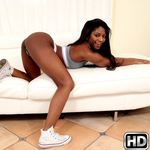 roundandbrown presents lexilove in episode: Sexi Lexi