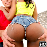 roundandbrown presents nadia3 in episode: Arch That Ass