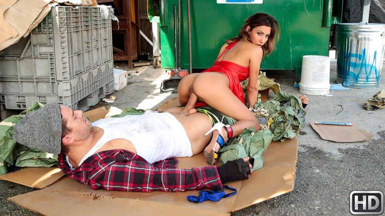 sneakysex presents jadejantzen121617 in episode: Dumpster Diving