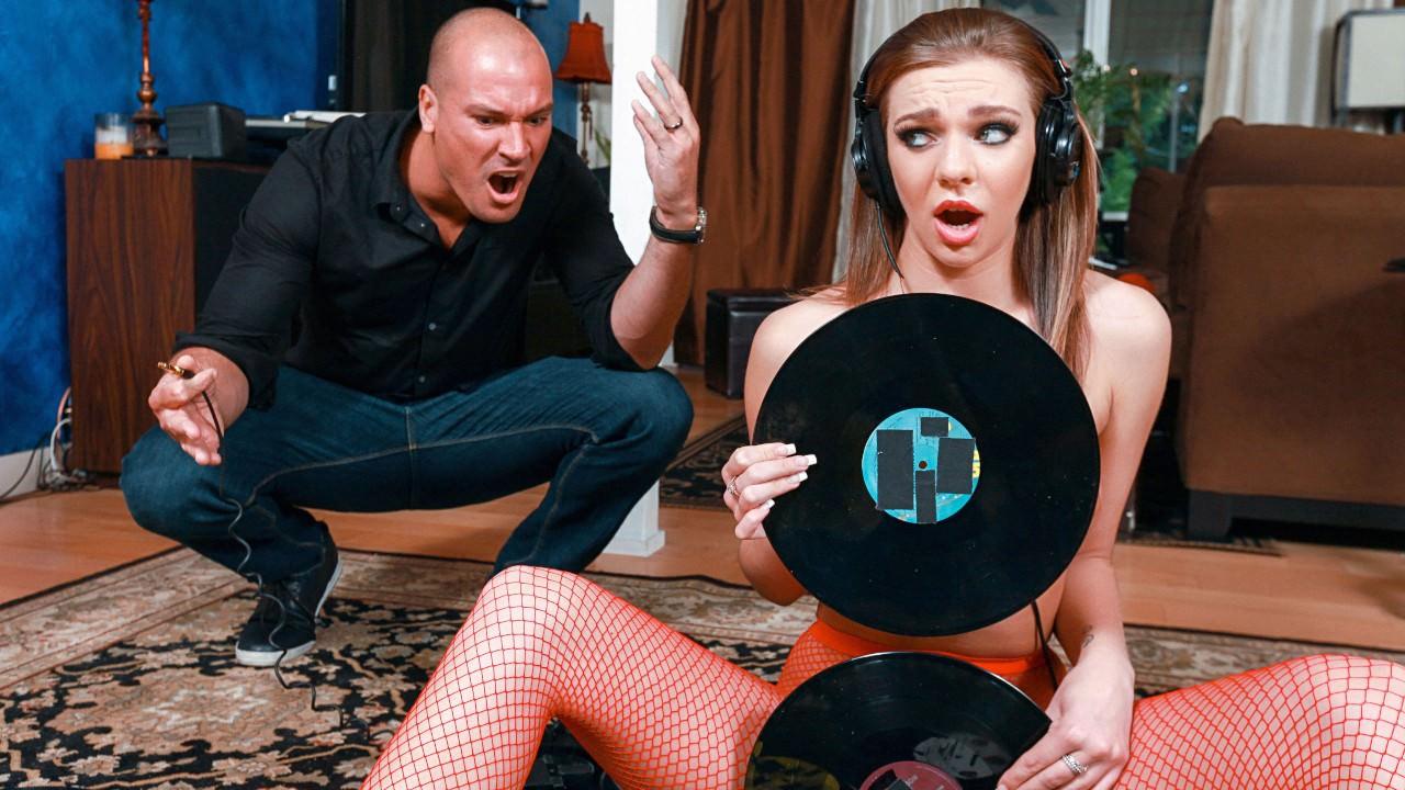 teenslovehugecocks presents vinyl-vixen in episode: Vinyl Vixen