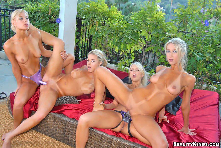 Lesbians outside hd adult img for flirtatious lesbians outside hd.